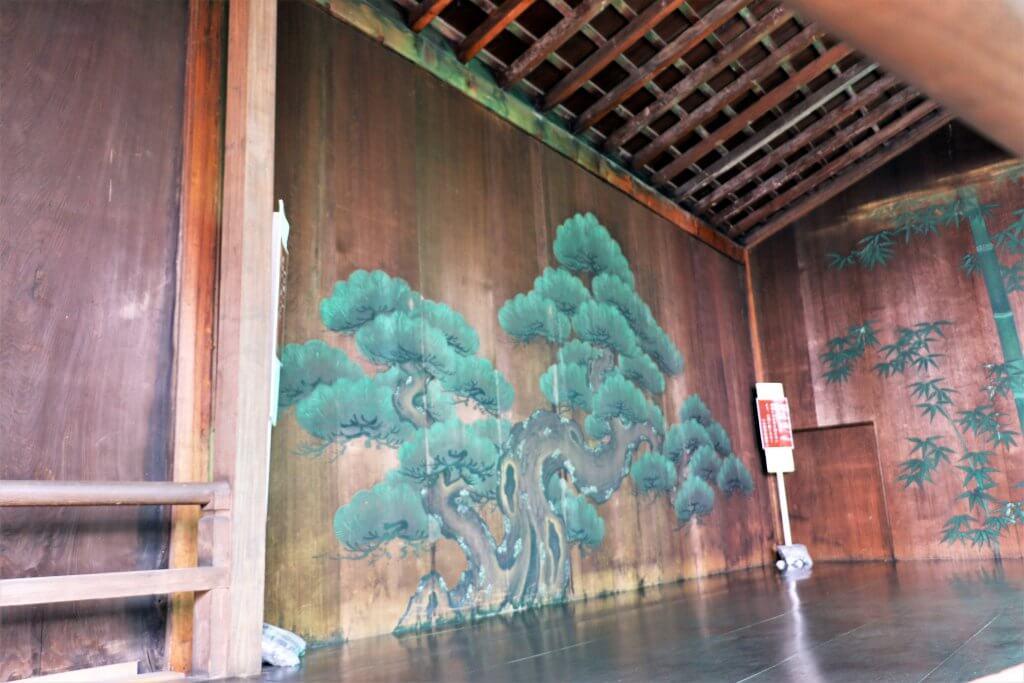 鏡板に描かれた松の絵
